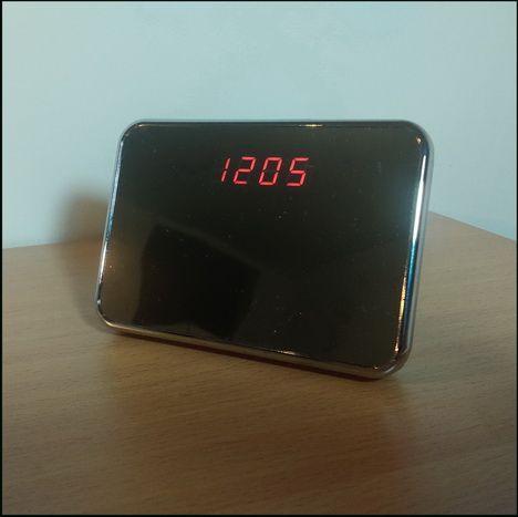 spijunska kamera sat - spijunska kamere - alarmni stoni sat
