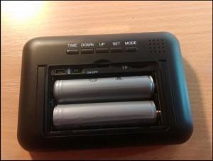 spijunska kamera sat - stoni sat baterije