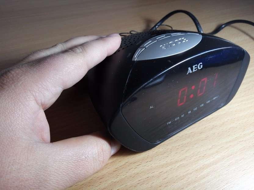 radio budilnik prisluskivac - prisluskivaci - prislusni uredjaji
